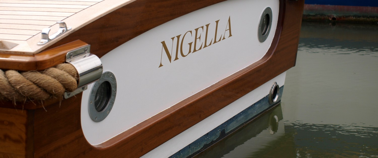 Nigella moored at Elephant Boatyard